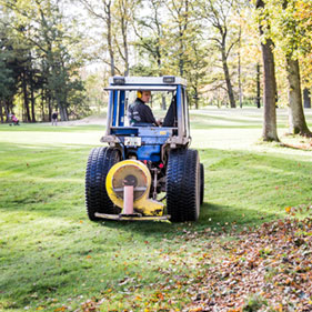 Golf- und Sportplatzpflege